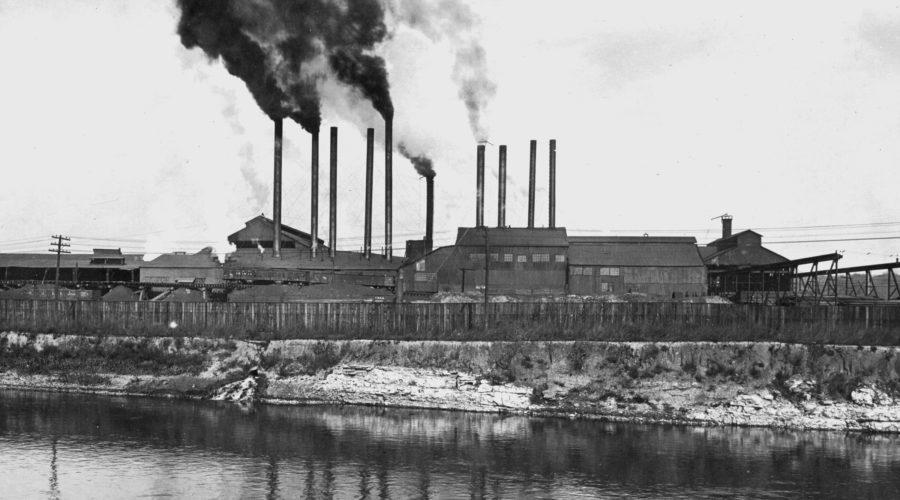 In de Republic Steel Plant in Moline verrichten vele Belgische inwijkelingen fabriekswerk (ca. 1910). [Moline, Center for Belgian Culture]