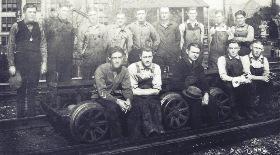 Veertien arbeiders van de Regal Train Control Gang. Atkinson (Illinois), z.j. [ADVN, VFSCC 60]